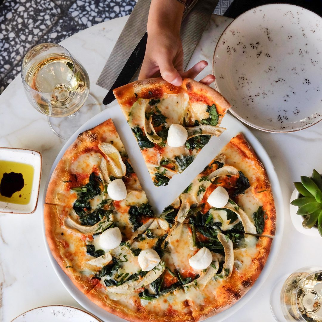 6 Wine Pairings to upgrade your pizza