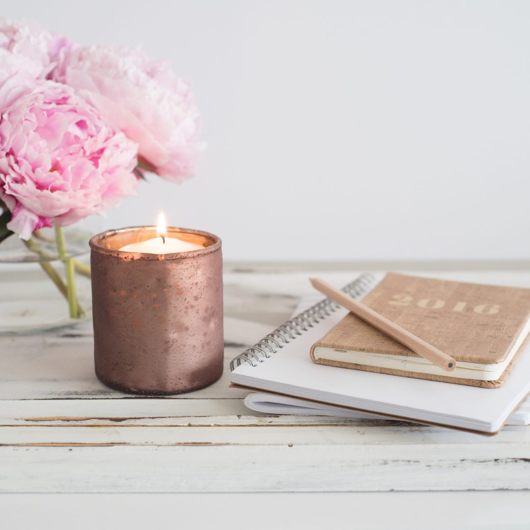 www.wineloversbox.co.uk – winter candle scents